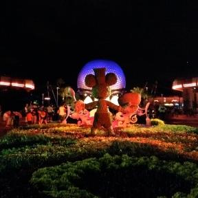 Mickey topiary!